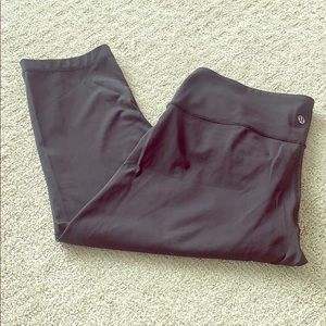Lululemon Capri pants, black. Size L
